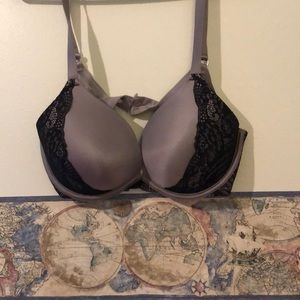 Super cute padded bra with lace